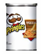 A tube of Pizza Flavour pringles