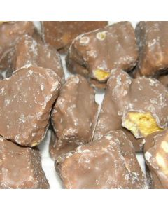 Crunchy cinder toffee, honeycomb pieces covered in a milk chocolate flavour coating