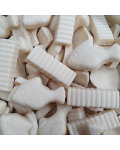 Creamy white chocolate flavour candy pieces shaped like fish and chips